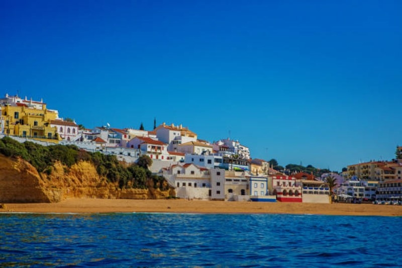 Book a Transfer from Faro Airport to Alvor