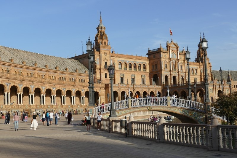 Book a Transfer from Faro Airport to Seville (Spain)