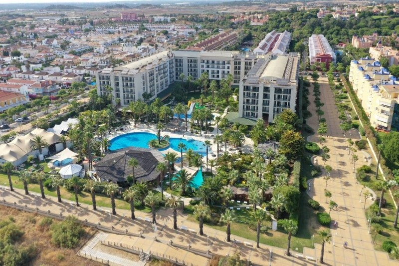 Book a Transfer from Faro Airport to TUI Family Life Islantilla